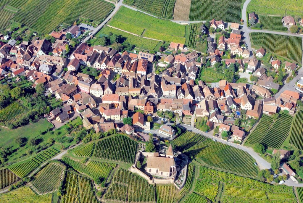 Route des Vins d'Alsace (village Hunawihr) © French Moments