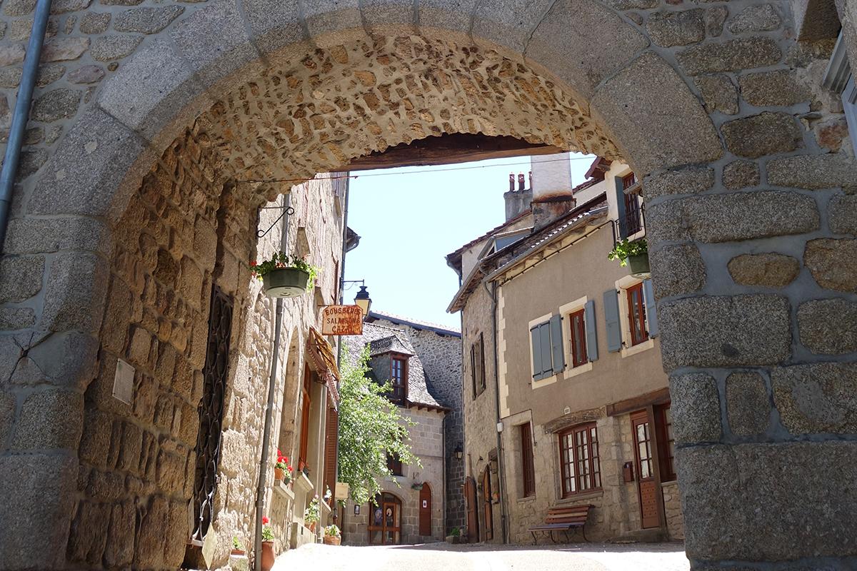 Marcolès, ancien village médiéval et Petite Cité de Caractère