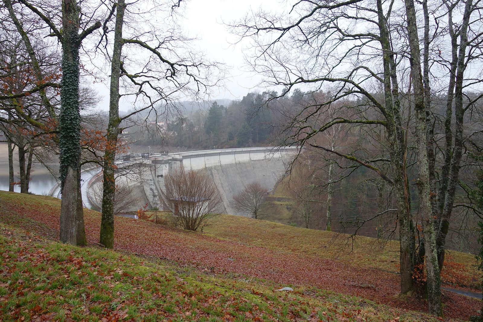 Barrage de Saint-Etienne Cantalès