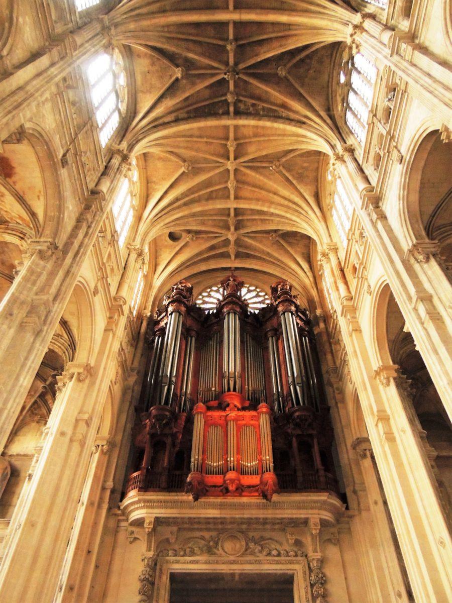 Saint Eustache Le Grand Orgue. L'un des plus grands de France.