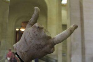Main cassée en marbre - Louvre